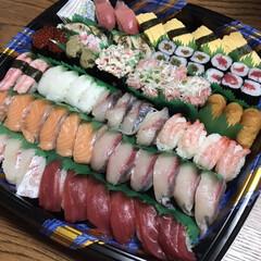 4世代/お寿司/令和の一枚/至福のひととき 私のじーちゃん、子どもたちのひいじーちゃ…