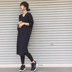 レギンスコーデ/ニットワンピース/ユニクロコーデ/ファッション ユニクロの新作♡リブVネックニットワンピ…
