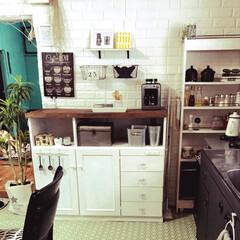 白/壁紙DIY/DIY/雑貨/100均/セリア/... 今キッチン大改造してます^ - ^