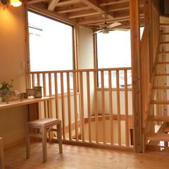 吹き抜け/スケルトン階段/無垢の家/木の家/自然素材の家/ナチュラルな家 吹き抜けにあるスケルトン階段