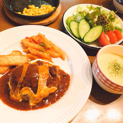 Wチーズハンバーグ/花火/おうちごはん 今日の夕飯❣️Wチーズ🧀ハンバーグ😊 ち…