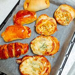 手作り/調理パン/フォロー大歓迎/至福のひととき/LIMIAごはんクラブ/おうちごはんクラブ/... またまた調理パン🥖❣️ 焼き立てだよ〜〜…