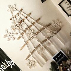 オーナメント/クリスマスディスプレイ/クリスマス雑貨/3COINS/マクラメ❄️/マクラメツリー/... 今年の流木マクラメツリー🎄❣️  3CO…
