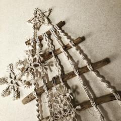 オーナメント/クリスマスディスプレイ/クリスマス雑貨/3COINS/マクラメ❄️/マクラメツリー/... 今年の流木マクラメツリー🎄❣️  3CO…(2枚目)