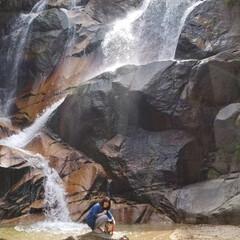 マイナスイオンたっぷり/妹背の滝/令和の一枚/LIMIAペット同好会/わんこ同好会/LIMIAおでかけ部/... 昨日撮った写真の追加です(^-^) 滝の…(1枚目)