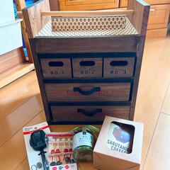 リミ友ちゃんに感謝/おかもち風洋裁道具入れ 今日、素敵なおかもち風のラックが届きまし…