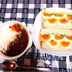 富山名水ビーフカレー/たまごたっぷりサンドイッチ/春のフォト投稿キャンペーン/LIMIAごはんクラブ/おうちごはんクラブ/わたしの手作り 今日のお昼ご飯🍚  作ってみたかったゆで…