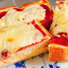 簡単ピザ/コメダ風タマゴサンドピザ/ランチ お昼ごはんはコメダ珈琲の真似っこしてたま…