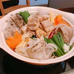 もつ鍋/limiaキッチン同好会/暮らし/節約 大阪は外出自粛なのでお家で🏠  もつ鍋🥘…