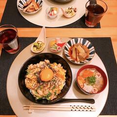 親子丼 親子丼🤗  豚汁🖐  ねぎま煮🖐  やみ…(1枚目)