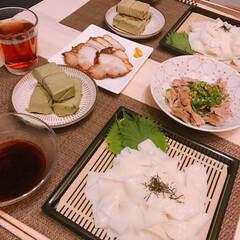 葛うどん/柿の葉寿司/吉野葛 昨日買った吉野葛入りうどんと柿の葉寿司😘…(1枚目)