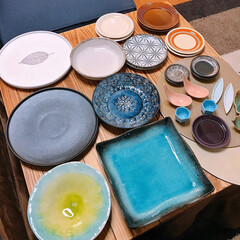 食器棚いっぱい/収納どうする…/陶器市/食器 新しい食器😊✨  先週は道具屋筋でお盆と…
