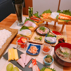 階段盛り/手巻き寿司 ※手巻き寿司🍣  ※あさりの味噌汁  階…(1枚目)