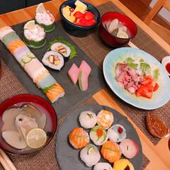 ひなまつり/てまり寿司/レインボーロール寿司 ひなまつり🎎   てまり寿司と レインボ…(1枚目)