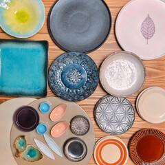 食器棚いっぱい/収納どうする…/陶器市/食器 新しい食器😊✨  先週は道具屋筋でお盆と…(2枚目)