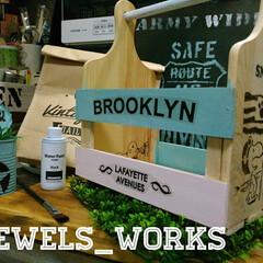 手作り雑貨/jewelsworks/ウォールステッカー/ウッドバーニング/スヌーピー/カフェ風/... ダイソーカッティングボードとすのこでdi…