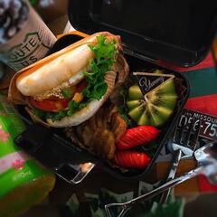 カフェ弁/ランチボックス/お昼ごはん/おうちご飯/イングリッシュマフィン/お弁当記録/... 今日のᴊᴋ弁当🍱😊 イングリッシュマフィ…(2枚目)