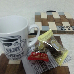 ダイソー 工作木材/セリア新発売/セリア取っ手 カフェトレイにセリア新発売の食器を置いて…