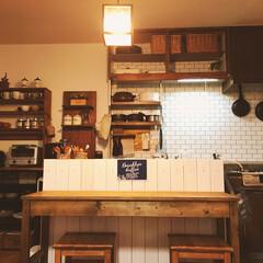 タイル柄壁紙/すのこ板 キッチンの上の棚をはずしまた!