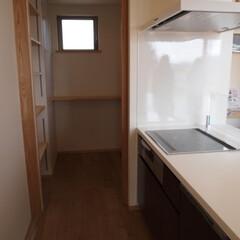 パントリー/キッチン/キッチン収納/オーダーキッチン/アリアフィーナ/収納/... キッチンの横にあるパントリー 「岡山の家…