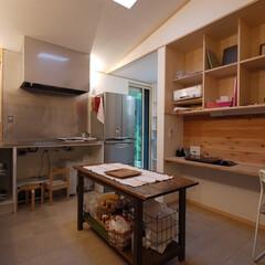 キッチン/キッチン収納/デスク /ワークデスク/女性建築士/インテリア/... キッチンに設けたワークスペース。 プリン…