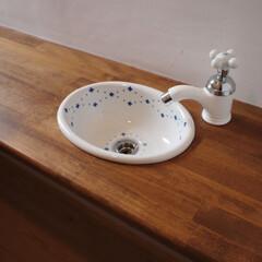 トイレ/水回りリフォーム/住宅設備/リノベーション/リフォーム/女性建築士/... トイレの陶器の手洗い 「フレンチナチュラ…(1枚目)
