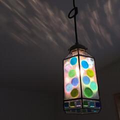 照明/ペンダントライト/ペンダント照明/ステンドグラス/ステンドグラス照明/ガラス/... 天井に模様がうつりこむ照明 「柚子の実る…