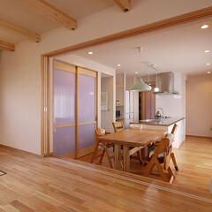 キッチン/オーダーキッチン/ステンレスキッチン/注文住宅/リビング/オーダーメイドキッチン/... ワンステップ上がったリビングと、家の中心…