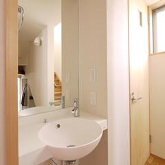 手洗い/玄関/ワーママ/トイレ/家族用玄関/シューズクローク/... 家族用玄関、トイレと隣り合う手洗い 「キ…