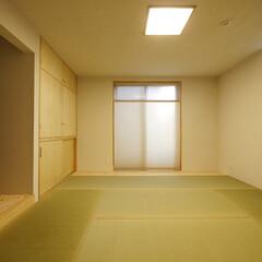 障子/襖/押入/和室/畳/プリーツスクリーン/... 襖と障子を使わない、玄関土間横の和室 「…