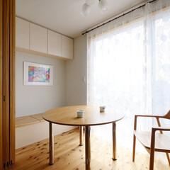 縁側/ベンチ/リビングダイニング/造作家具/収納/家具/... リビングダイニングに隣り合う、縁側のよう…