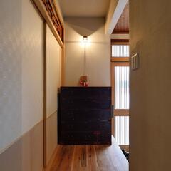 ブラケット照明/照明/玄関/和モダン/リノベーション/住まい 和モダンな玄関のブラケット照明 オーダー…