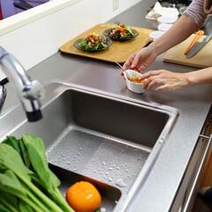 キッチン/料理/キッチン収納/キッチンツール/水回りリフォーム/水回り/... パンチングトレイのある奥行の深いキッチン…