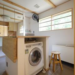 洗濯/洗濯機/洗面所/室内干し/家事/住まい/... アイランド洗濯機置場 作業テーブルの下に…