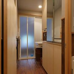 洗面所/洗濯機/物干し/家事/住宅/水回りリフォーム/... 洗濯機置場をなくし、収納をしっかり確保し…