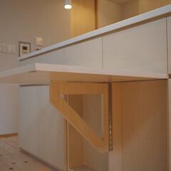 ダイニングテーブル/ダイニング/家具/造作家具/収納家具/収納/... キッチンカウンターの収納家具の一部を跳ね…