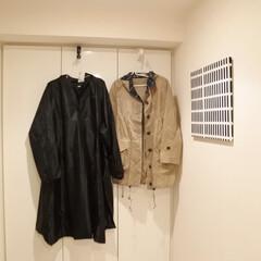 マンション暮らし/便利グッズ/便利アイテム/レインコート/梅雨対策/ドアフック/... 濡れたレインコートの干す場所に 困ってい…