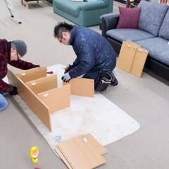 組み立て/フローリング/組立家具/組み立て家具/家具/平田家具店/... こちらは組立家具を組み立てる社長と店長の…