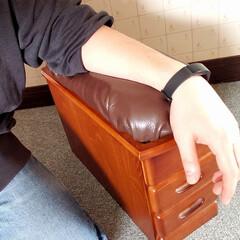 ひらた家具店/平田家具店/家具/脇息/きょうそく/床に座る派/... こういう風に座っている時に肘を置いて使う…