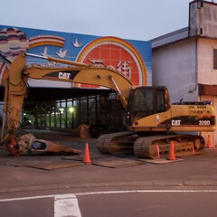 切ない/取り壊し/標茶町/標茶/平田家具店/ひらた家具店 これ、近所の写真なんですが、ずっと昔に閉…