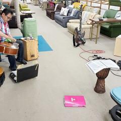 楽器/音楽/イベント/店長/ひらた店長/標茶/... 営業時間外のひらた家具店で、お手持ちの楽…