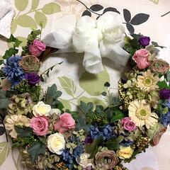 プリザーブドフラワー/結婚式/ブーケ/リース/ハンドメイド 二男の結婚式に、👰🏼お嫁さんに作ったリー…