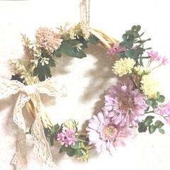 春色/リボン/ハンドメイド/100均/セリア 春色の花❀✿❀✿リース (初夏から春に逆…