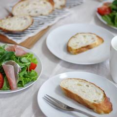朝食/インテリア/グルメ/フード/無印良品/ニトリ/... かたっ!時々 痛っ!(笑)フランスパンを…(1枚目)
