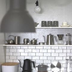 おうち/2018/DIY/キッチン/キッチン雑貨/雑貨/... 壁紙を剥がして 来年は 本物のタイルを壁…(1枚目)
