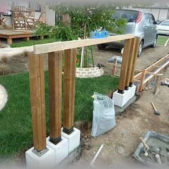 簡単フェンス/庭フェンス/スリットフェンス/フェンスアレンジ/DIYフェンス フェンス柱を並べて立てるアレンジフェンス…