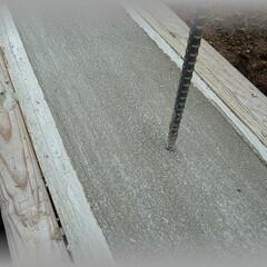 diy201604/基礎コンクリート/塗り壁/土台/モルタル/天端/... やっと基礎のコンクリートが終わりました。…
