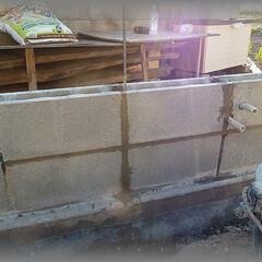 diy201604/分岐/中継/box/塗り壁/ウォールライト/... 地下埋から来る配管をここに中継BOXを付…(1枚目)