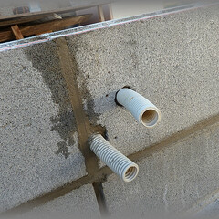 diy201604/PF管/ライト/ローボルト/ナイトガーデン/ウォールライト/... 大きい方の塀にはウォールライトを2個付け…