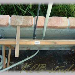 PF管/ライト配管/ウォールライト/壁ランプ/基礎/ブロック塀/... 前回は塀の中で2ケ所のライト配管を分岐し…(1枚目)